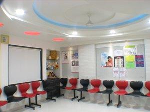 Waiting Area|Shishumoh Clinic |Pune-Satara Road,Pune