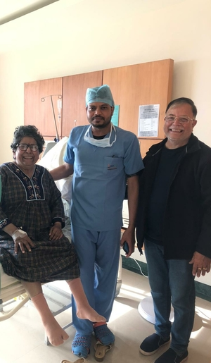 Photo : Happy Patient - 3rd day post Bilateral Knee Replacement