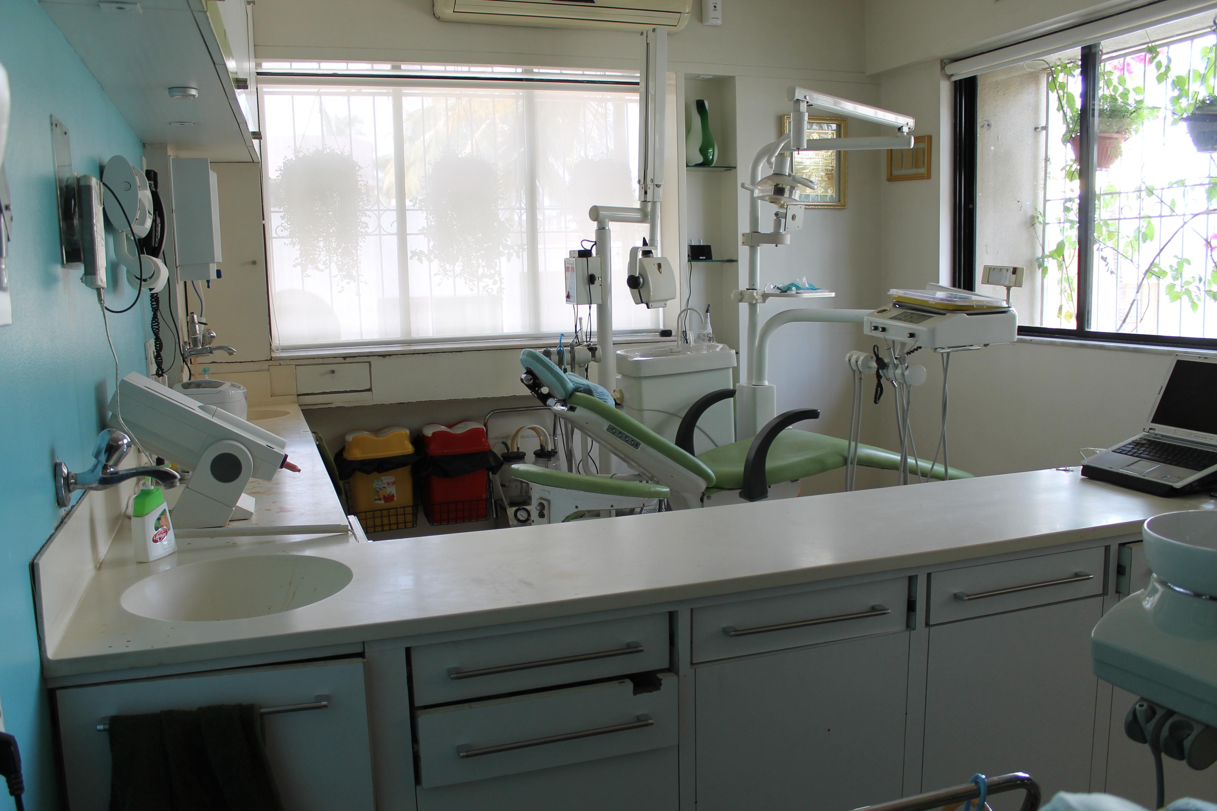 Operatory Bhandari Dental Clinic Mukund Nagar,Pune