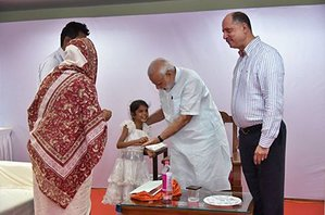 PM MEETS THE 7-YR-OLD WHO HAD WRITTEN TO HIM, SEEKING HELP FOR HER HEART SURGERY Dr. P. K. Grant Ruby Hall Clinic,Pune