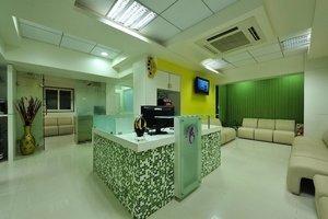 Waiting Lounge|Dr Meenu Agarwal|Dhole Patil Road,Pune